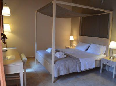 Δωμάτιο 8